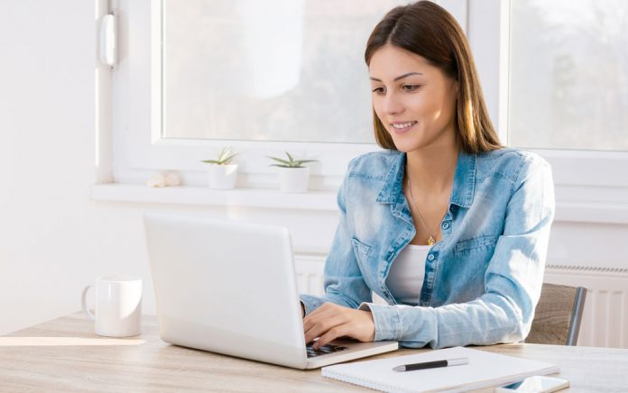 10 Ways to Improve Your Finances with Online Learning