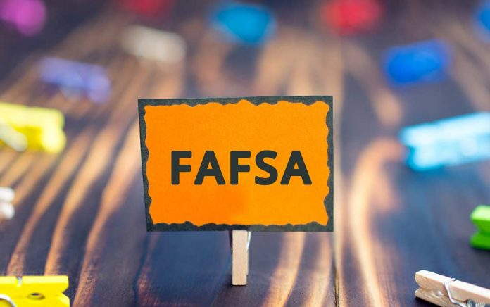 Here's Why You Shouldn't Wait to File Your FAFSA